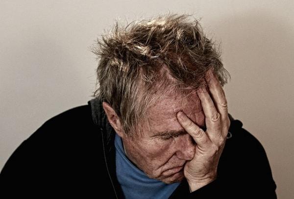 Điều trị bệnh trầm cảm ở người già như thế nào?