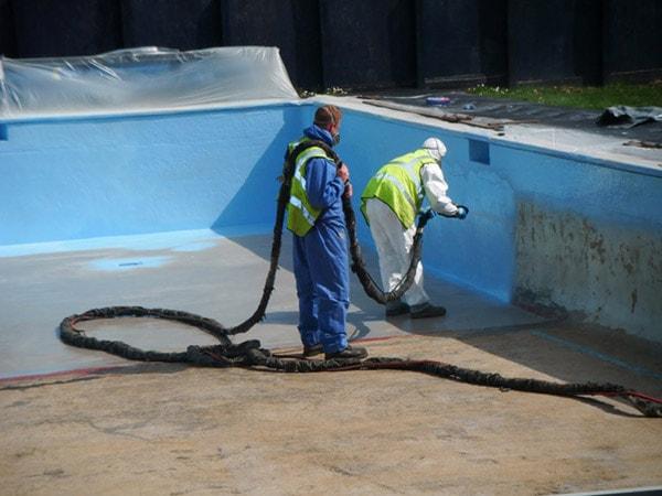 Làm thế nào để chống thấm khi bố trí hồ bơi trên sân thượng?