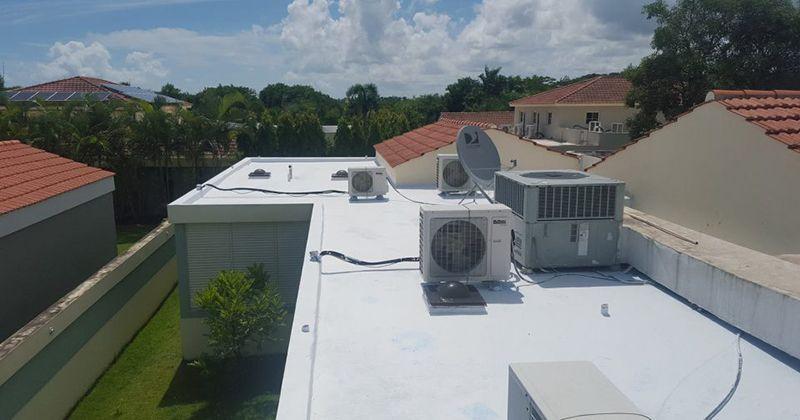 Mái nhà - một trong những nơi cần xử lý chống thấm triệt để